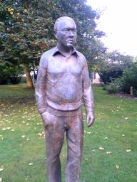 Statue of Fred Hoyle